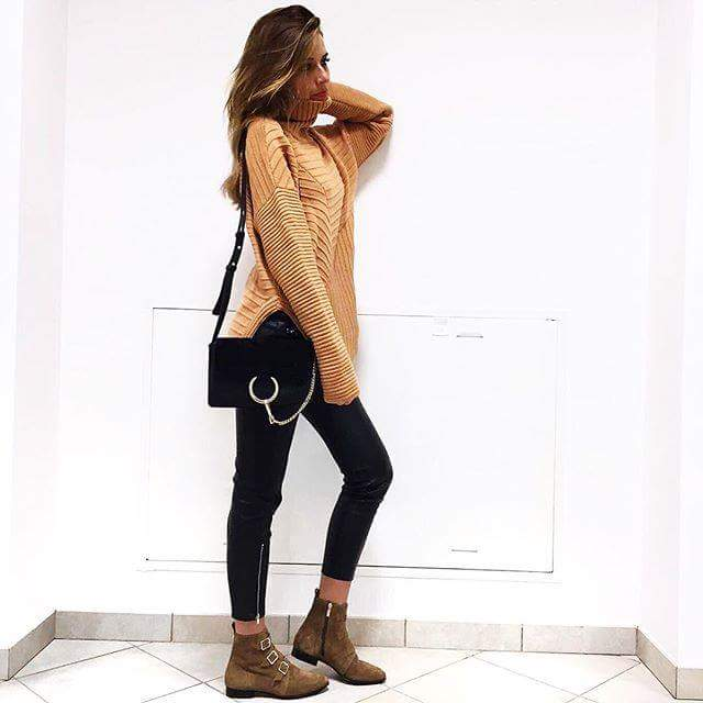 49 Cute Cold Rainy Day Outfits with and Without Rain Boo