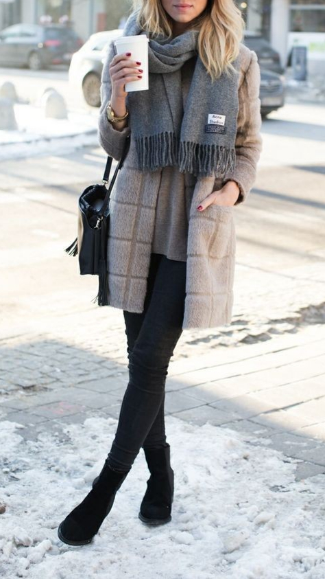 Cute and Comfy Winter Outfits To Copy Now - ClassyStyl