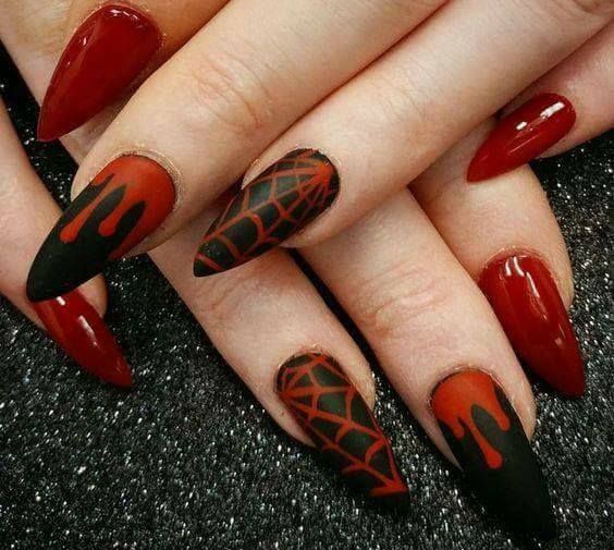 50+ Cutesy Holiday Nails to Bring Out the Oomph in You | Goth .