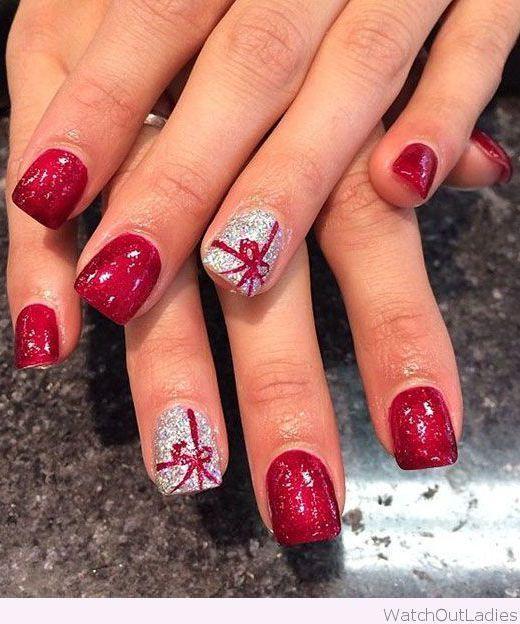 21 Fabulous and Easy Christmas Nail Designs: #2. Pretty Christmas .