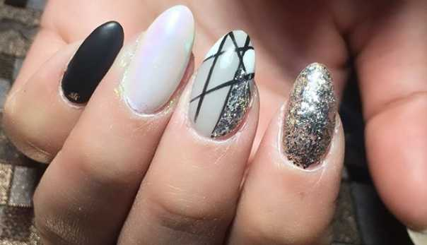 31 Fun & Easy Geometric Nail Art Ideas to Copy Right Now | CafeMom.c
