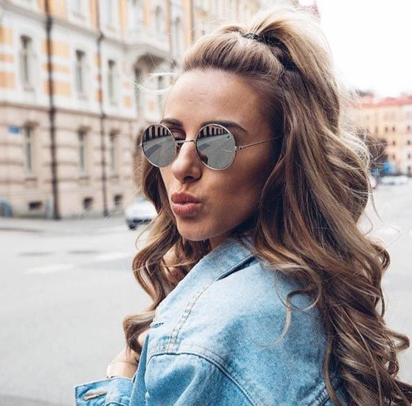 Quick And Easy Half-up Half-down Hairstyles | Long hair styles .
