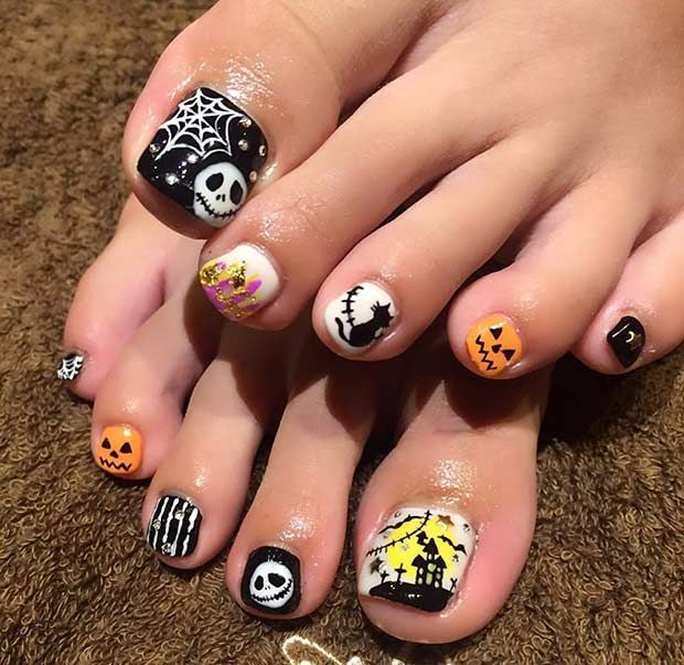 25 Creative Halloween Nail Art Ideas | StayGlam | Halloween toe .