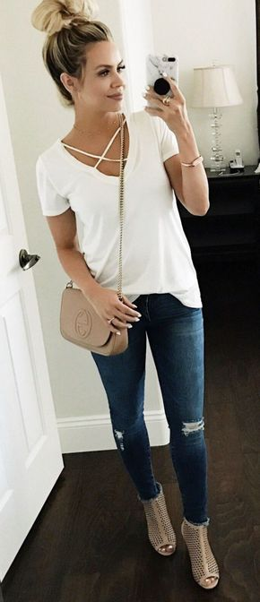 Inspiring Spring Outfits Ideas for Young Mom 40 | Simple spring .