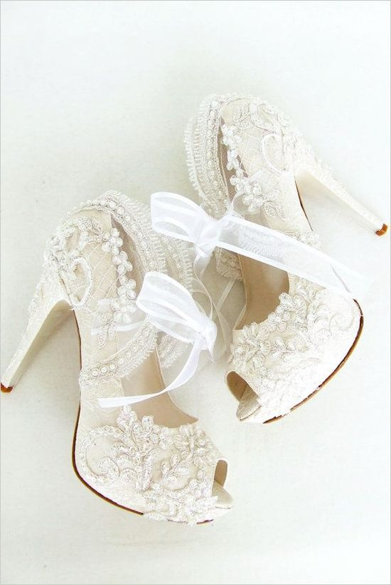 Stepping Out in the Best Wedding Shoes Ever - MODwedding | Fun .