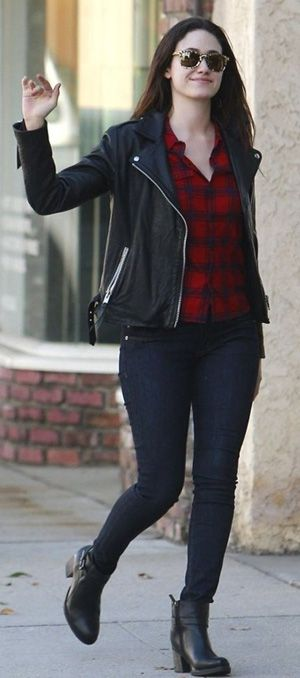 Winter outfit ideas with black leather Jacket for women - Styledme .