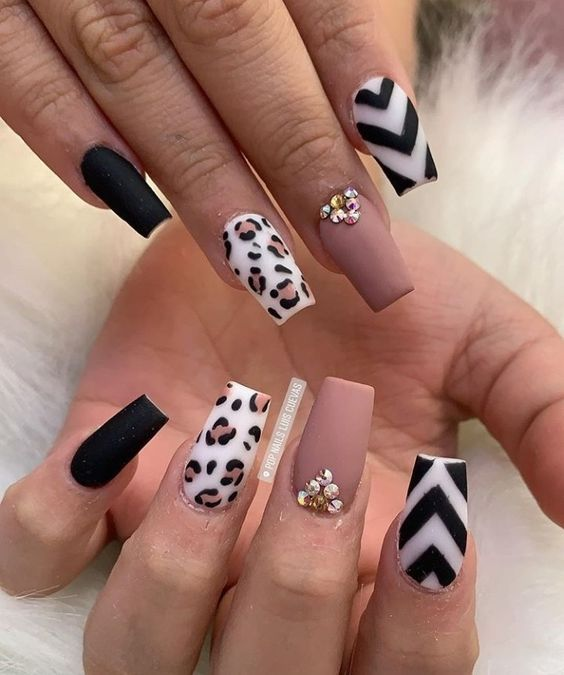 Cute Valentine Nail Art Designs for 2020 - Leopard Print Ideas in .