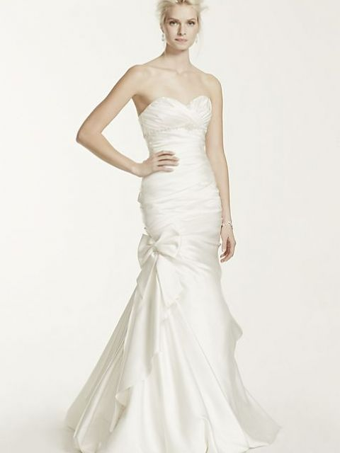 David's Bridal Satin Mermaid Wedding Dress with Bow Detail V3204 .