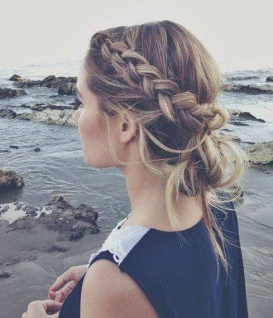 10 Trendy Messy Braid Bun Updos - PoPular Haircuts | Hair styles .