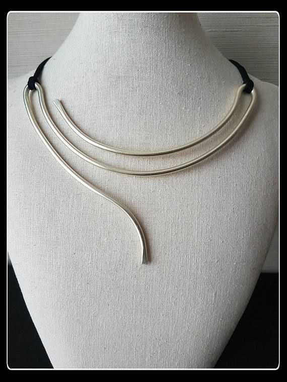 Minimal necklace, Minimal Jewelry, minimalist style, gift idea .