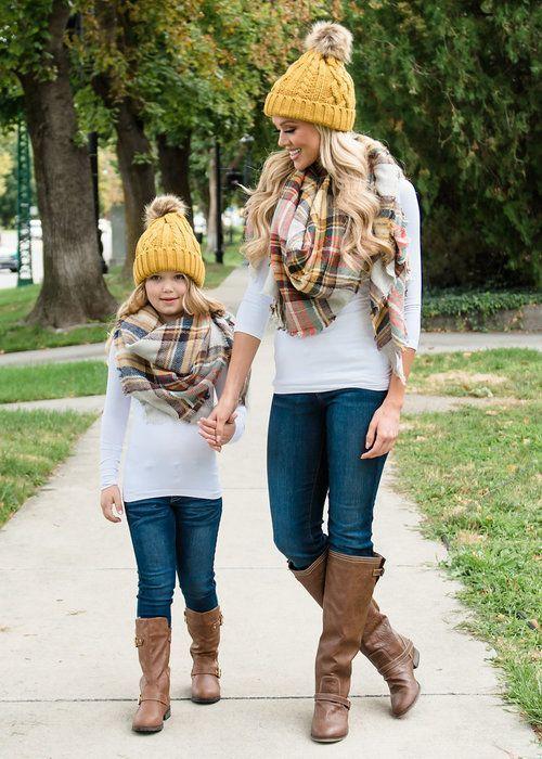 Стильные образы для мамы и дочки | Mother daughter fashion, Mother .