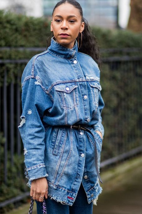 10 Denim Jacket Outfits - How to Wear a Denim Jack