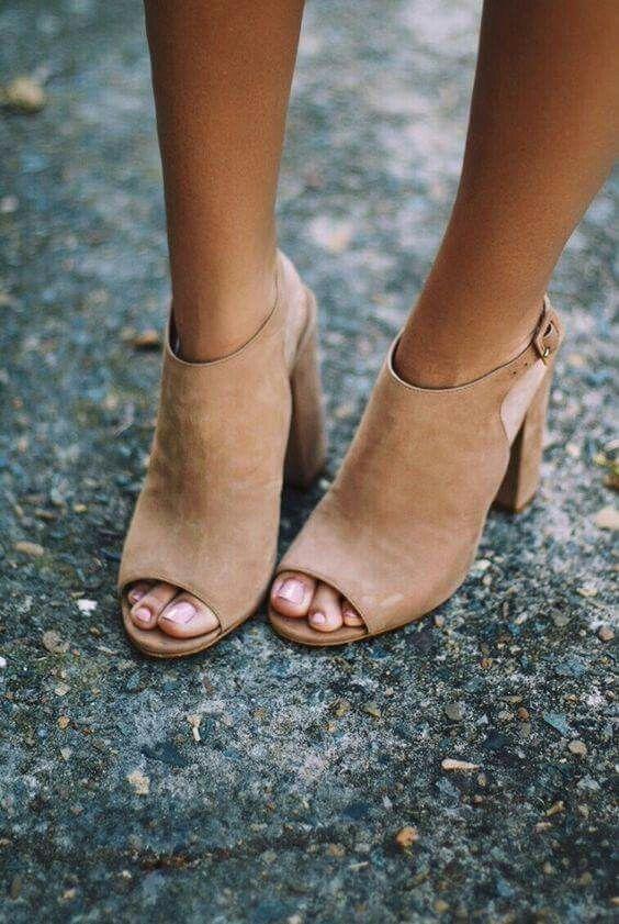 How to Wear Open-Toe Booties | Effortless Style Nashvil