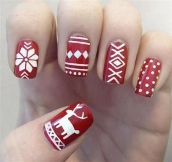 27 Christmas Nail Designs - Festive nail art ideas .