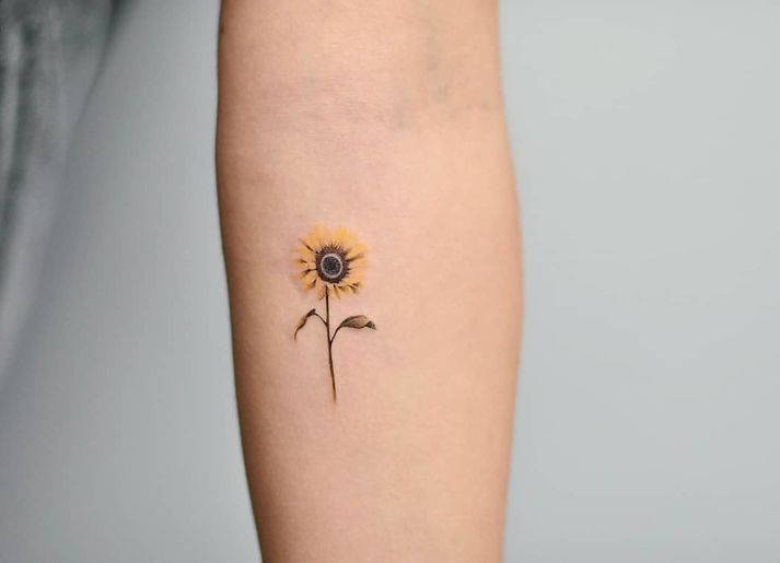 p>Small Sunflower Nature Tattoo | Nature tattoos, Sunflower .