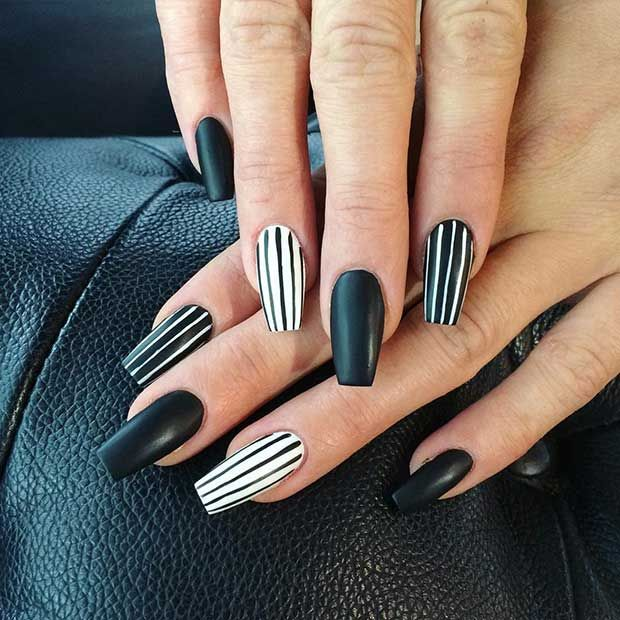 Black Striped Nail Design | Black nail designs, Edgy nails, Black .