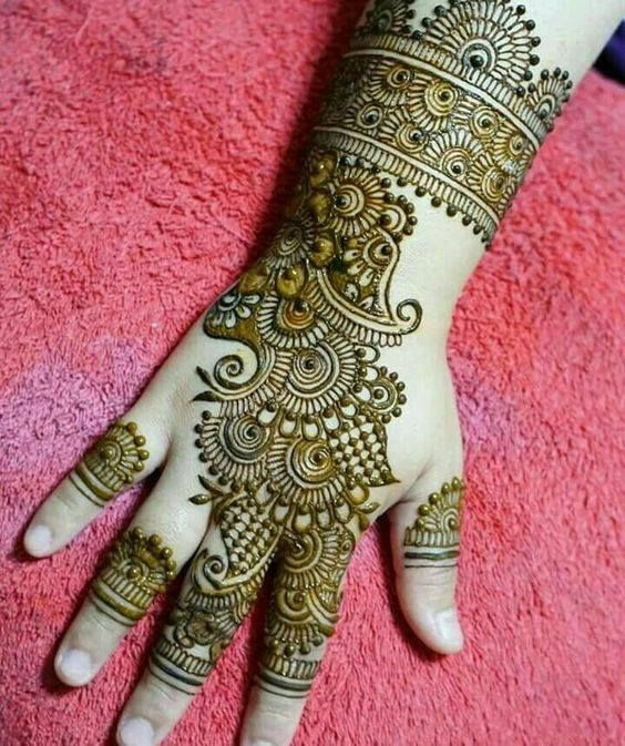 32 Stunning Back Hand Henna Designs to Captivate Mehndi Lovers .
