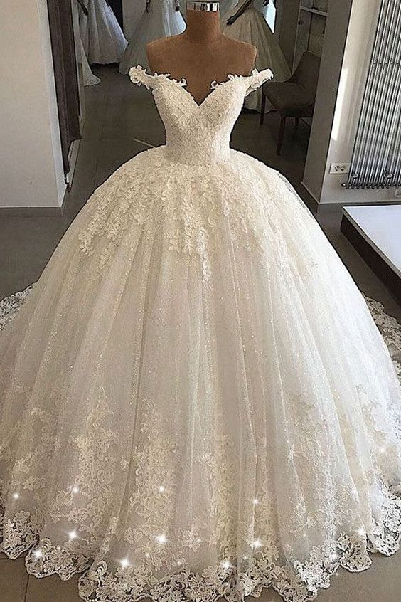 Stunning Wedding Dress Tulle Off-the-shoulder Bridal Dress .