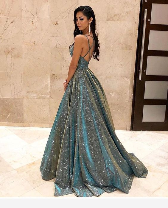 Prom dress - stunning | Trendy prom dresses, Cute prom dresses .