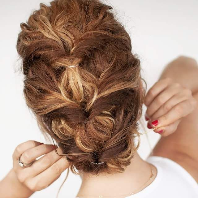 45+ Style Oozing Curly Hairdos for That Outright Gorgeous Look .