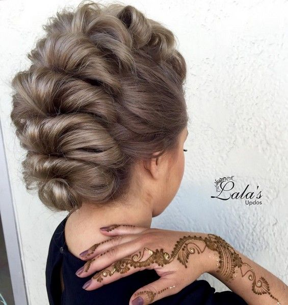27 Super Trendy Updo Ideas for Medium Length Hair - PoPular .