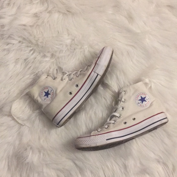 Converse Shoes | White Super Trendy | Poshma