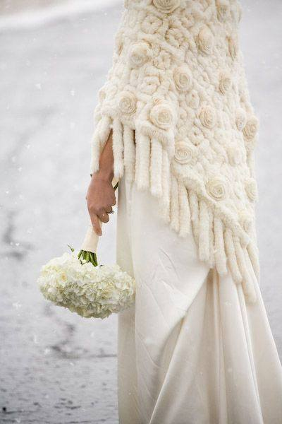 55 Trendy Ideas for Wedding Shawls and Wraps for Winter Weddin