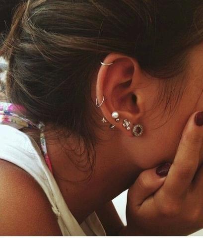 30+ Ear Piercing Ideas for the Minimalist | Cool ear piercings .