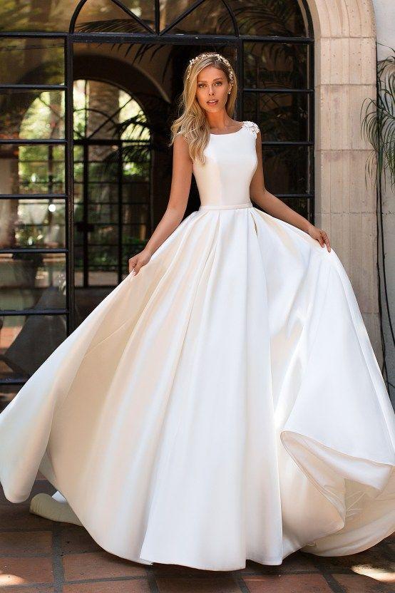 7 Modern Wedding Dress Trends You'll Love - Bridal Musings | Ball .