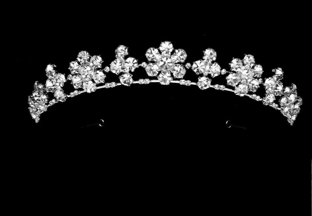 Enticing Wedding Tiaras and Crowns