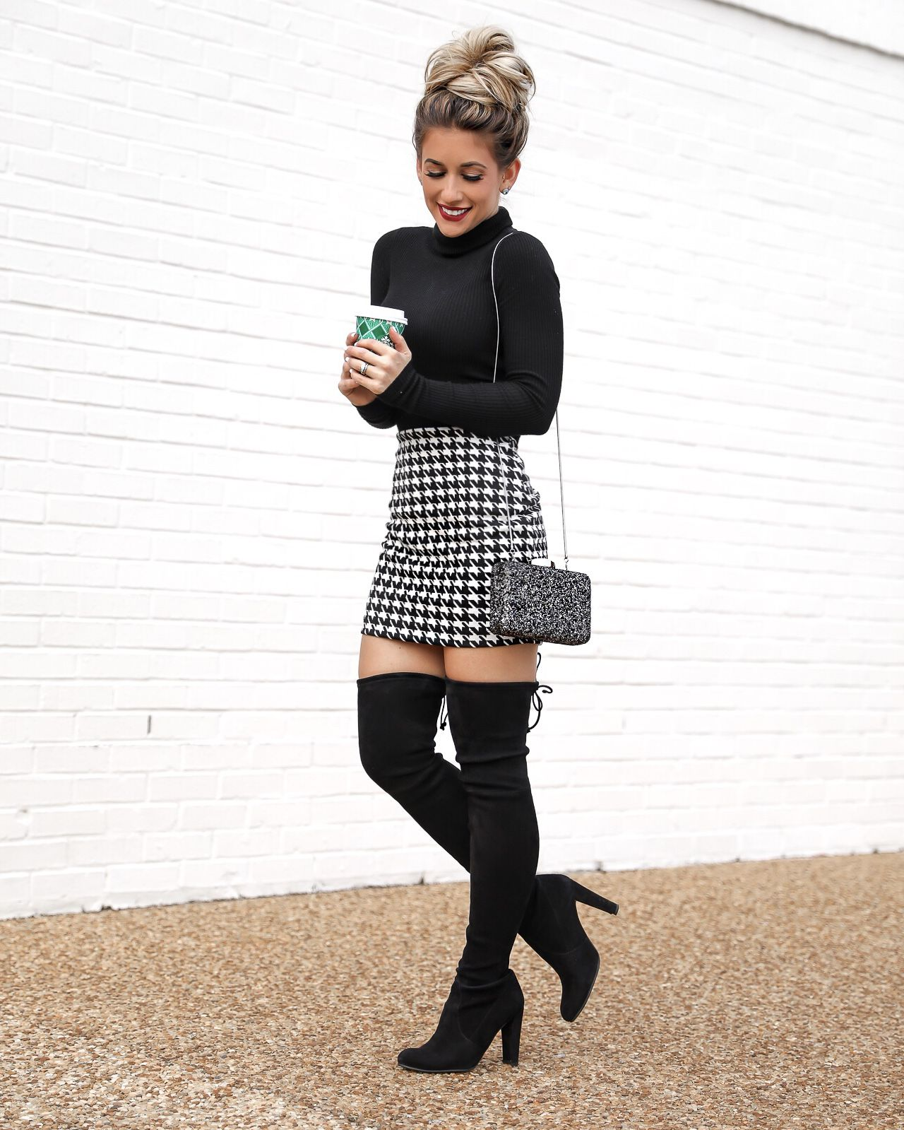 Styling Ideas for Christmas Skirt Outfits